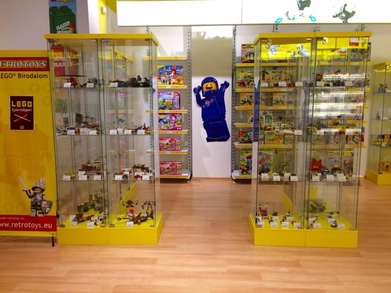 Retrotoys LEGO® Szaküzlet - ETO Park - EuropeThrob 282d4a2ee9