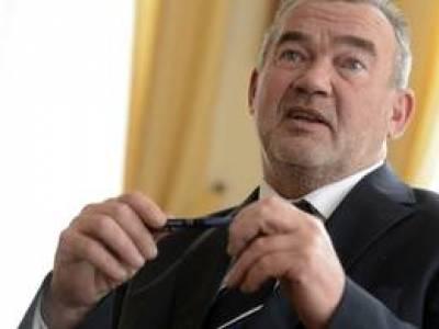 Az Alkotmánybíróság fogja tisztázni a bírók közötti perpatvart