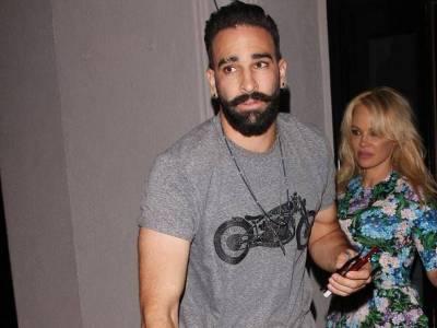 Pamela visszatért focista párjához