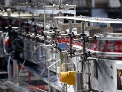 Először tette közzé a Coca-Cola, mennyi műanyag csomagolást termelnek egy évben