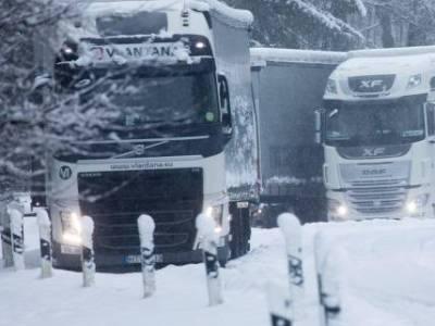 Ebben az országban már önvezető kamionok szállítják ki a csomagokat