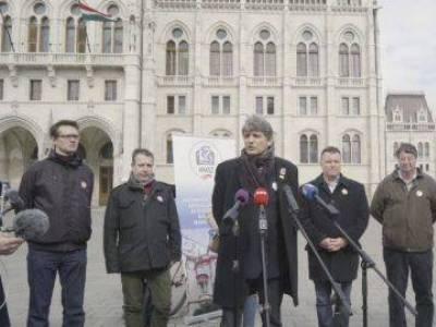 Betiltották a pedagógusok sztrájkját